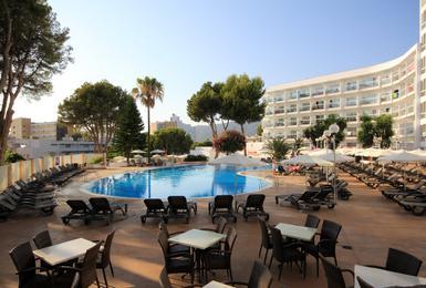Terrazza Hotel AluaSun Torrenova Palmanova, Mallorca